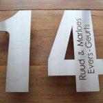 RVS huisnummer met lasergesneden namen