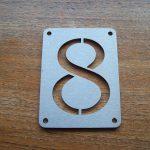 Huisnummerplaatje van RVS