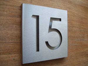 rvs huisnummerbord 15